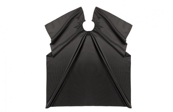 Comair Umhang Dots, schwarz, Polyester, Hakenverschluss, gepunktet, wasserabweisend,120x140cm